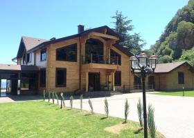 Загородный дом с алюминиевыми окнами