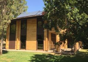 Алюминиевые двери частного дома